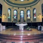 Altare maggiore, abside, vetrate
